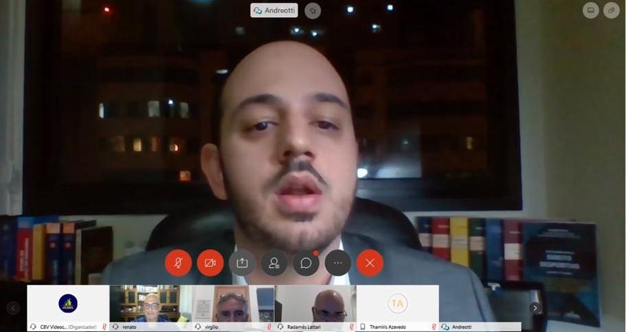 Leonardo Andreotti durante palestra desta quinta-feira (Divulgação/CBV)